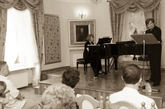 2011-07-17 Szafarnia - Flet i fortepian - wystepuja, Teresa Kaban - fortepian, Henryk Blazej - flet / Tomasz Sieracki / PAFT