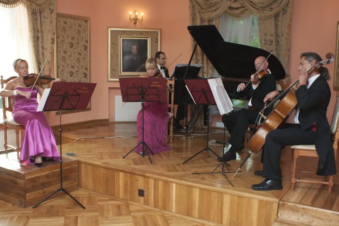 2011-08-28 Szafarnia; Kwintet fortepiamoey Arte Con Brio fot. Tomasz Sieracki / PAFT
