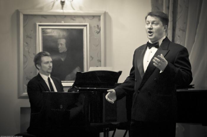 13.02.2011 Szafarnia; Arie i Duety; Kulakowska Kamila - sopran oraz  Pietrzykowski Dariusz - tenor / fot. Tomasz Sieracki