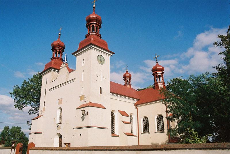 Działyń - Kościół p.w. Świętej Trójcy - fot. A.Hermann