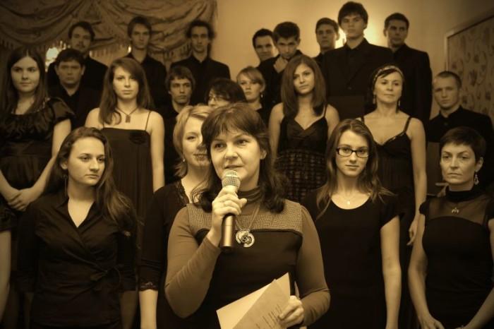 2010-10-10 Szafarnia; Myzyczny bukiet Chopinowi - Chór CANTO GRAZIOSO oraz goœcinnie uczniowie PSM w Brodnicy fot.  Malgorzata Sieracka / PAFT